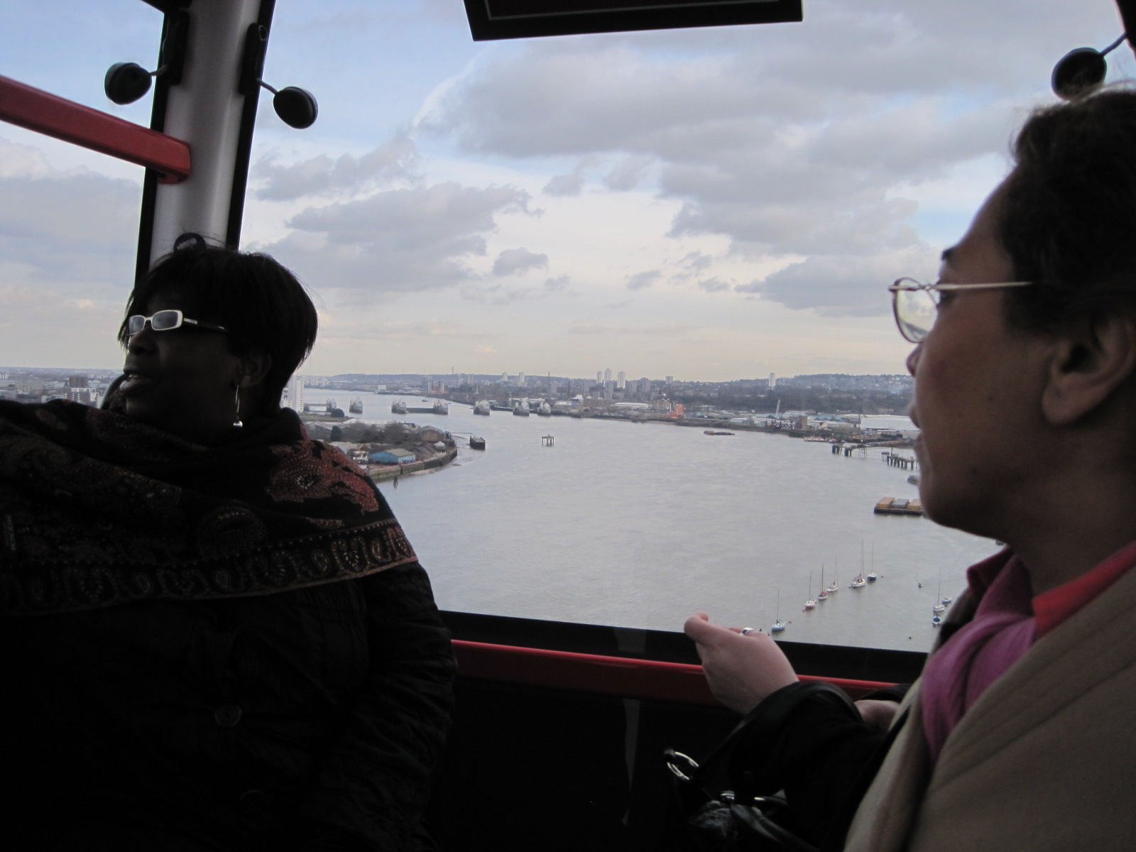 on the Emirates Air Line - photo by Juliamaud